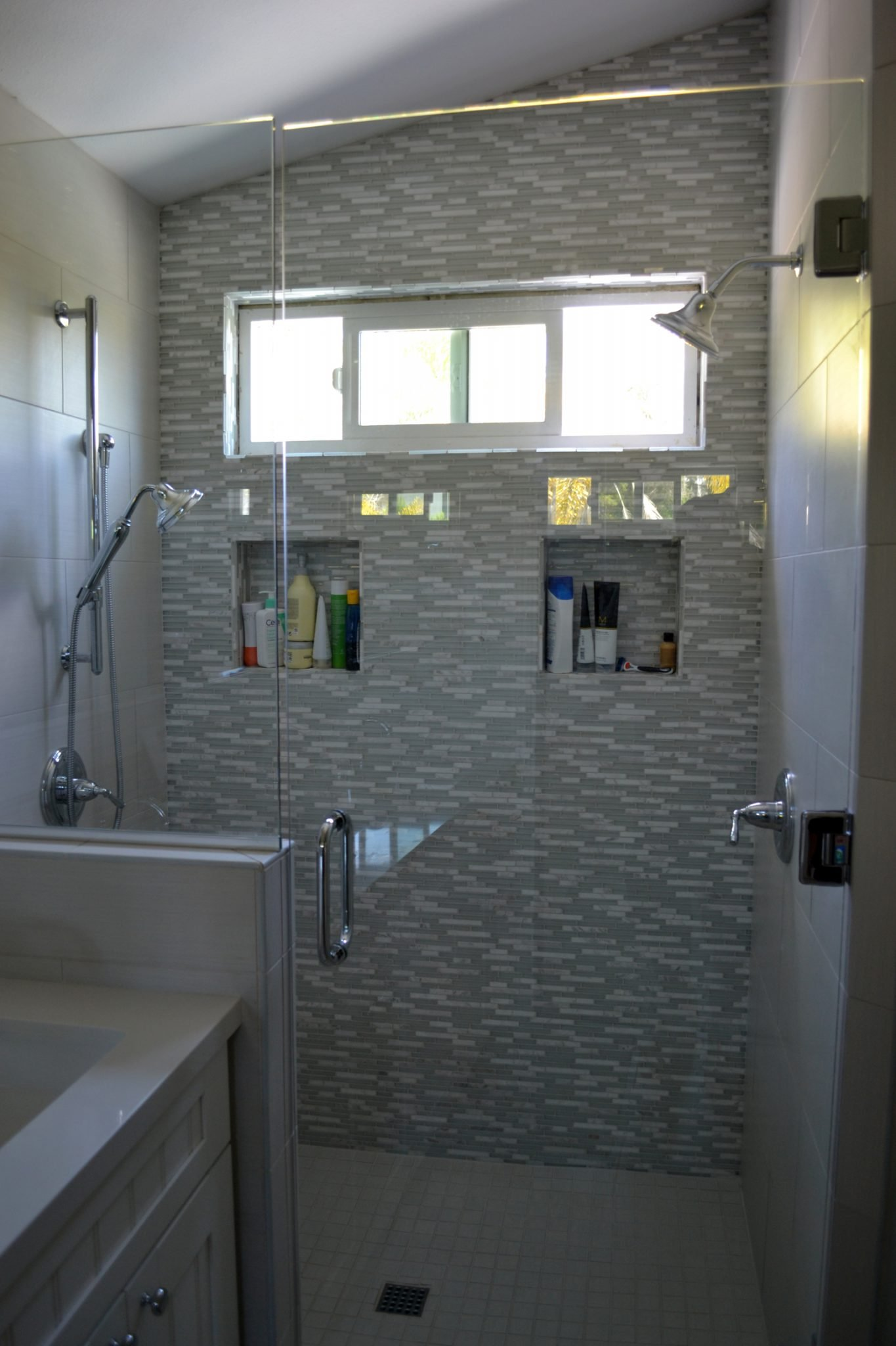 Bathroom remodeling hk construction san diego for Bathroom remodel san diego